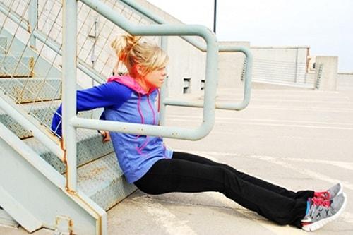stair-triceps-dips