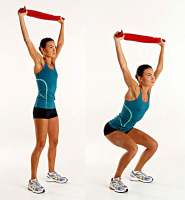 Overhead-Squat-with-towel