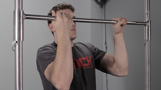 Mixed-Grip-Pull-Up