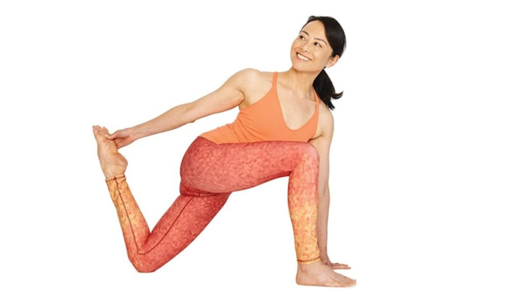 Low Lunge Quad Stretch Pose how to